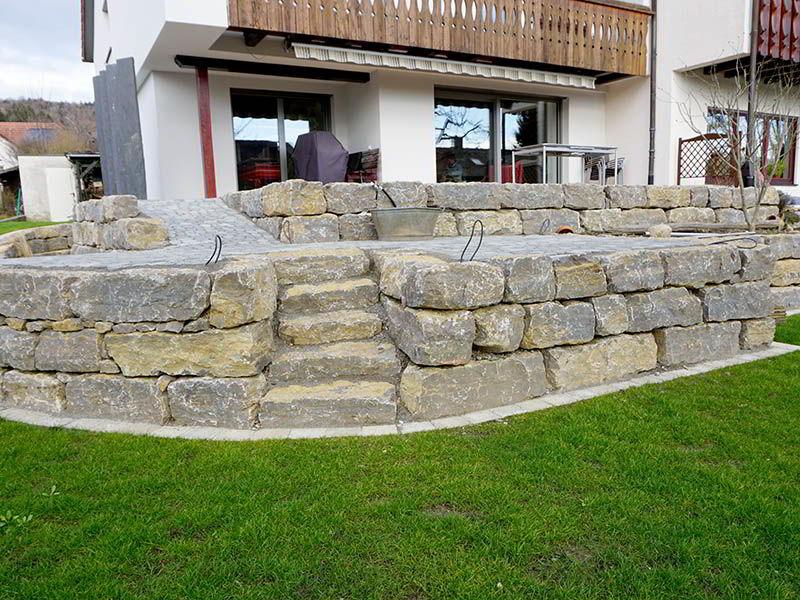 natursteinmauern-gartengestaltung