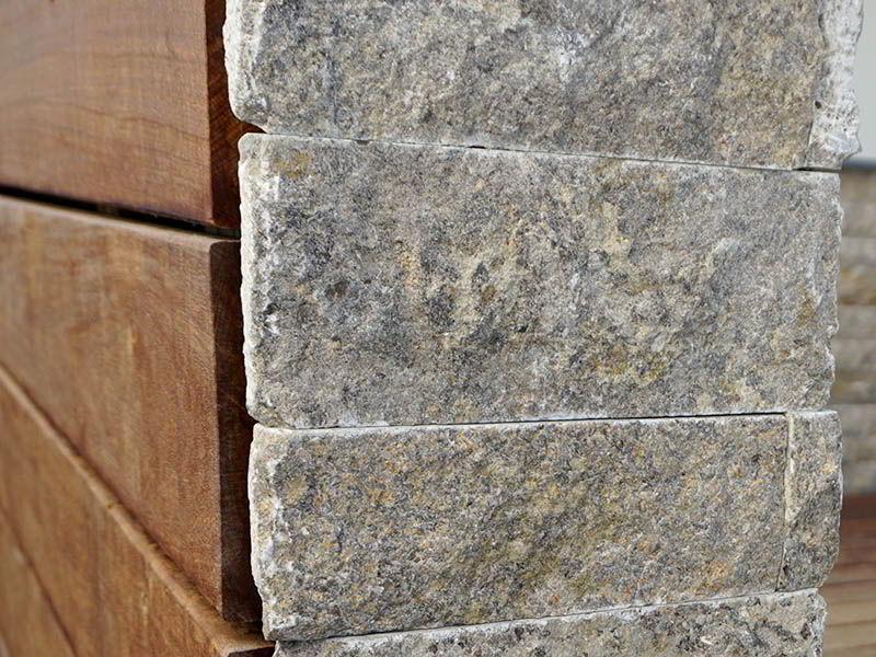 natursteinmauern-mit-holzverblendung